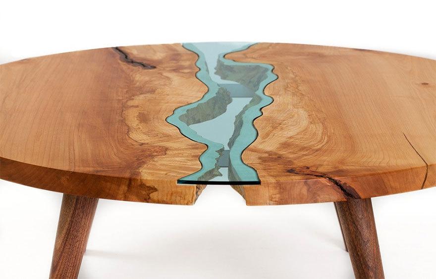 Flüsse und Seen aus Glas auf Tischen von Möbel-Designer Greg Klassen ...