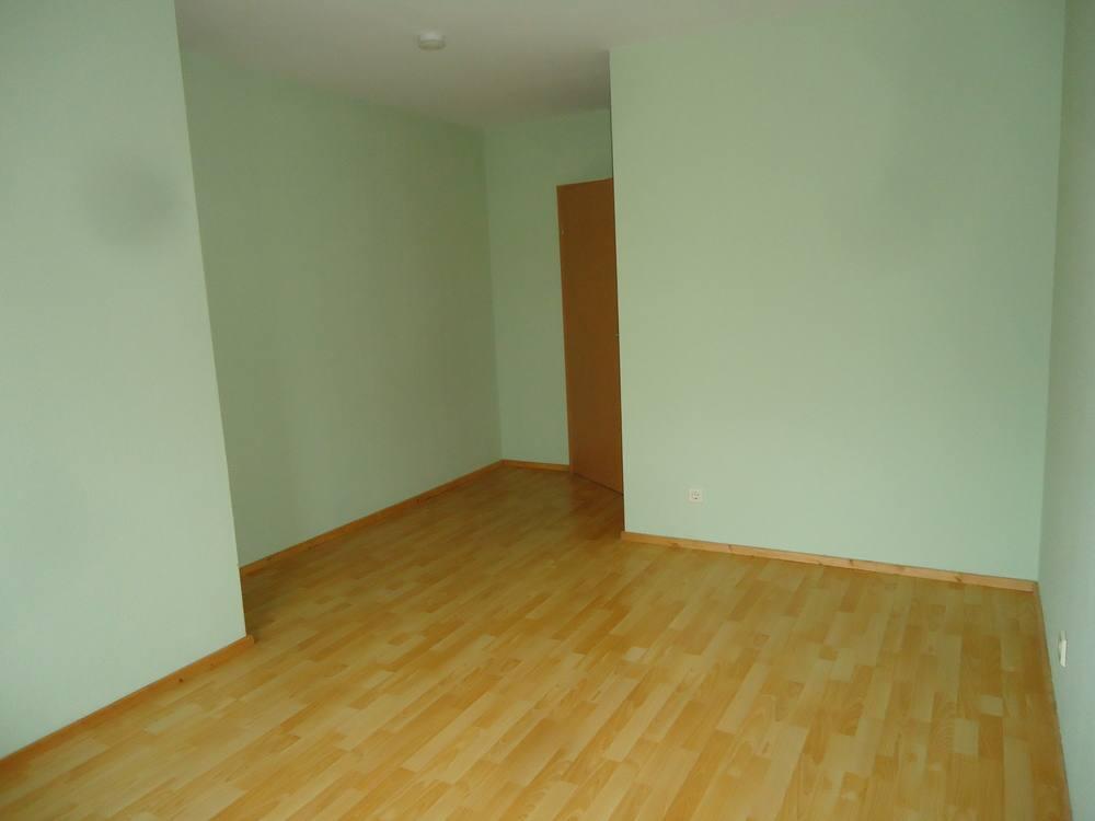 2 zimmer wohnung mit loggia in naumburg saale zentrum 1a. Black Bedroom Furniture Sets. Home Design Ideas