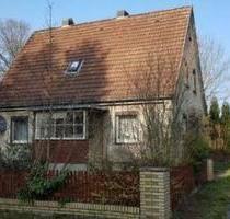 Freistehendes Einfamilienhaus mit Stall und großem Holzschuppen - Suderburg