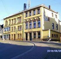 Wohn- und Geschäftshaus in Schmelz Zentrum künstlerisch gestaltet