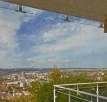 Großzüge 3,5 Zimmer-Wohnung mit herrlicher Aussicht über Leonberg
