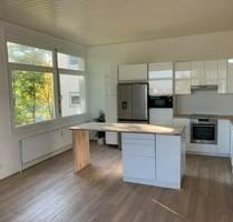 Erstbezug nach Sanierung mit EBK: stilvolle 2-Zimmer-Wohnung in Leonberg