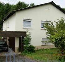 Freistehendes Wohnhaus mit Einliegerwohnung in Waldrandlage von Bexbach