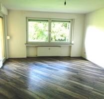 *Frisch renoviert * Balkon - Grünlage - 3 Zimmer-Wohnung - Wuppertal