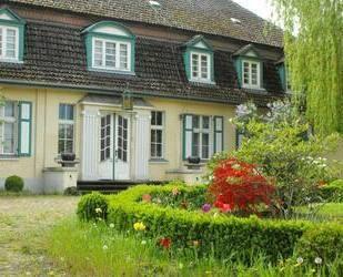 Gutshaus Zapel mit Nebengebäuden und wunderschöner Parklandschaft (denkmalgeschützt)